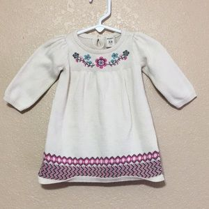 Old Navy sweater dress size 3-6 months